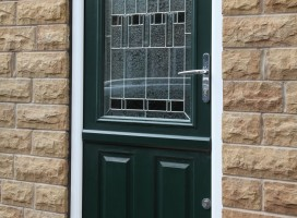 Beeston stable door in Green with Prairie glass