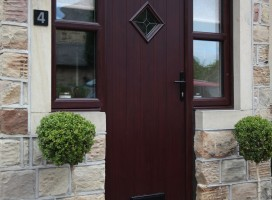 Flint 1 composite door in Rosewood with Star glass and integrated side panels.